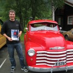 Kveldens vinner av Night Cruise diplomet for eldste bil, Tobias Lorentsen